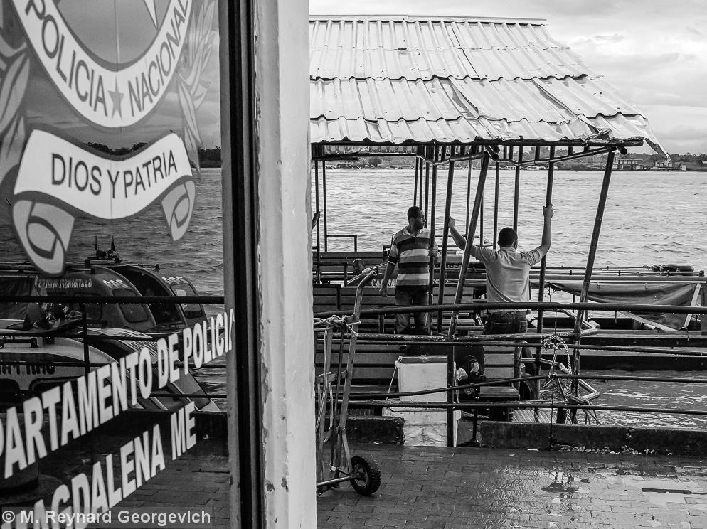 Barrancabermeja Cormagdalena port Magdalena Rio Medio chalupas Colombia
